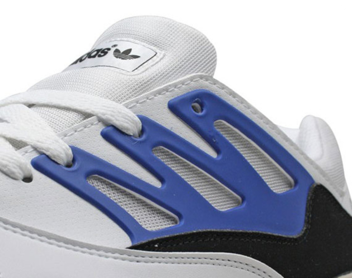 adidas-torsion-allegra-x-running-white-true-blue-black-01