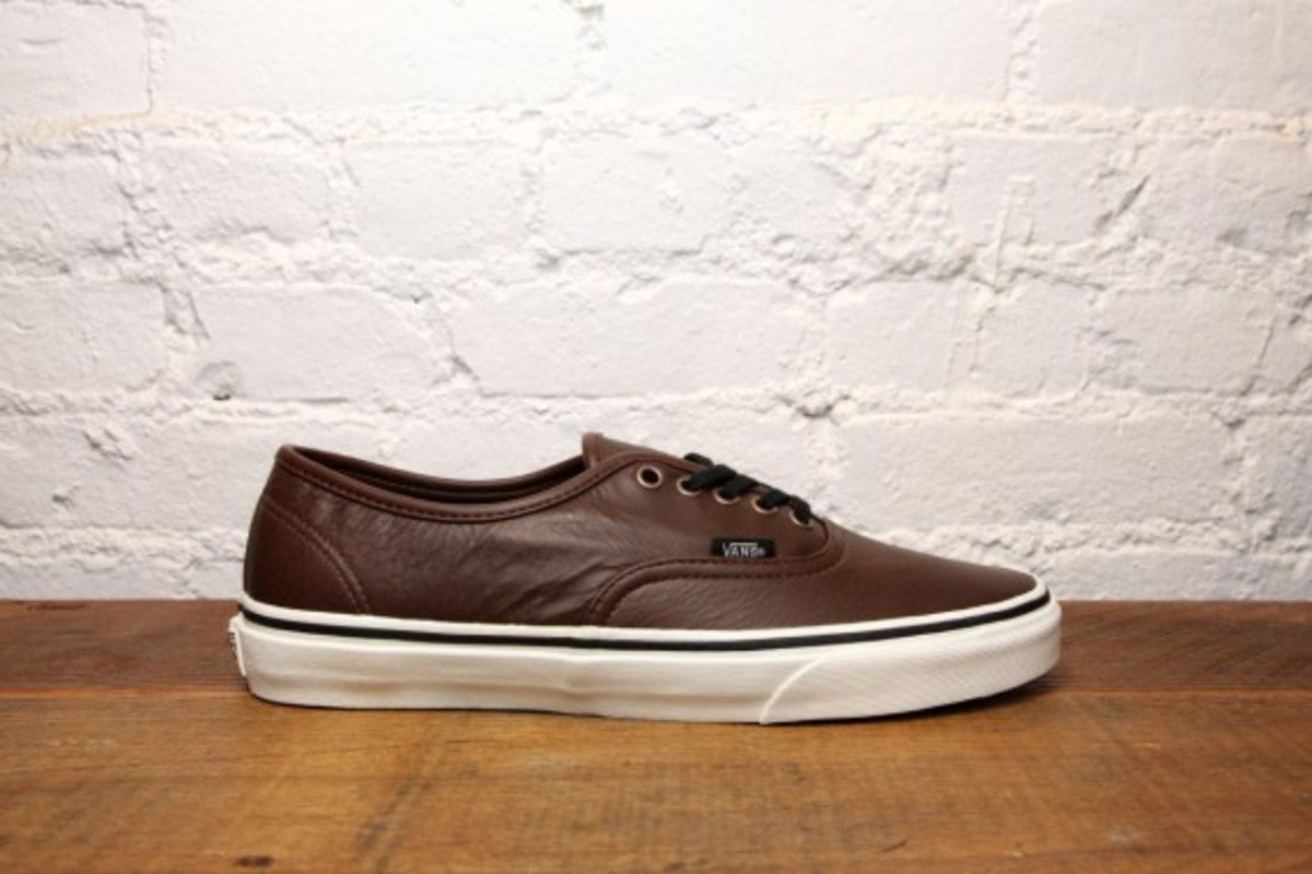 vans-old-skool-and-authentic-aged-leather-03