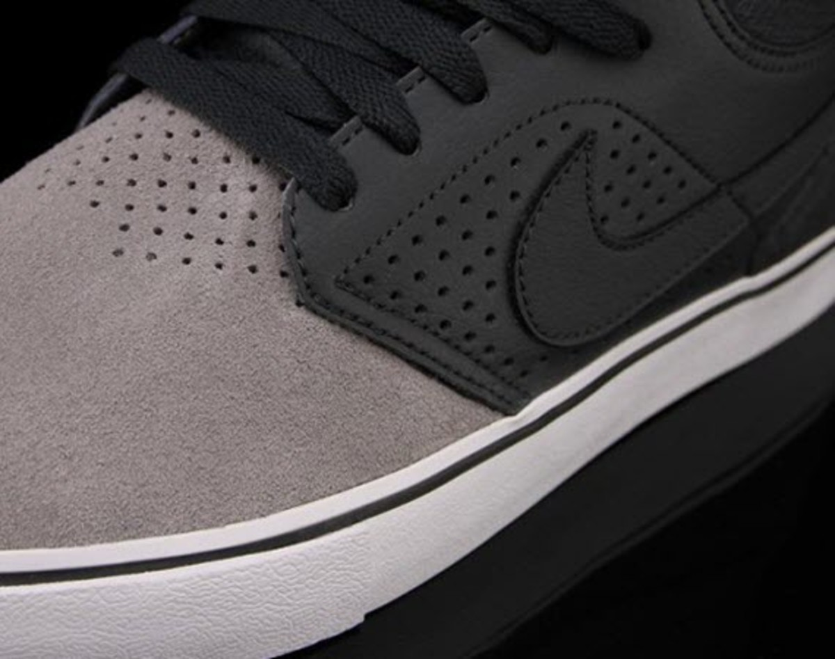 Following a look at a Canyon Purple take on the Eric Koston 1, Nike  Skateboarding continues its 2013 releases with the Paul Rodriquez V Mid LR  in a Sport ...