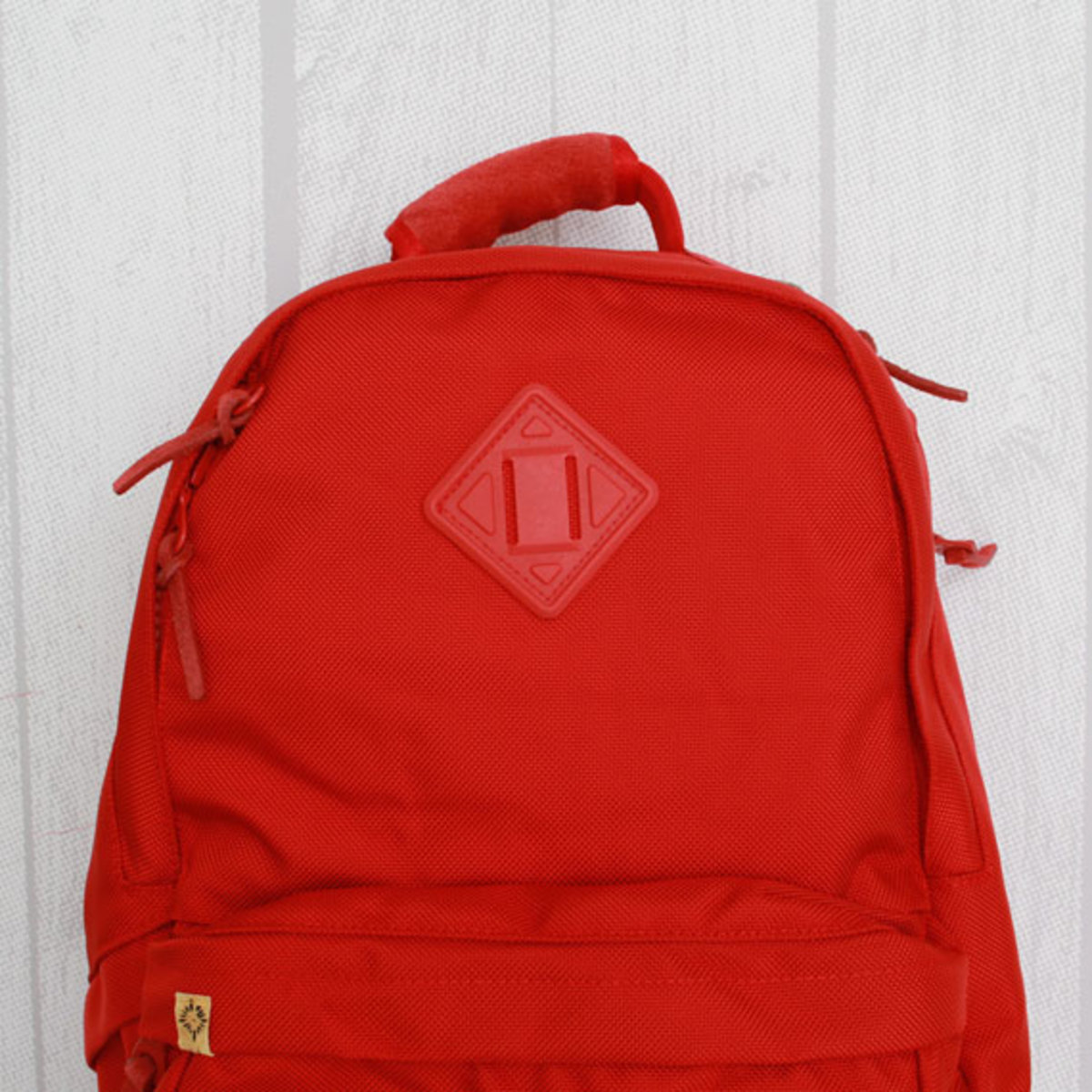 visvim-ballistic-22l-backpack-red-02