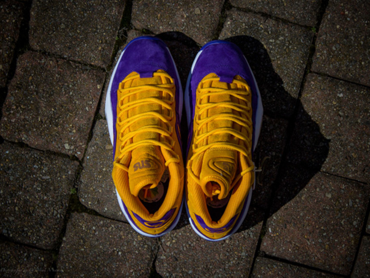 sneakersnstuff-reebok-question-mid-crocus-available-now-06