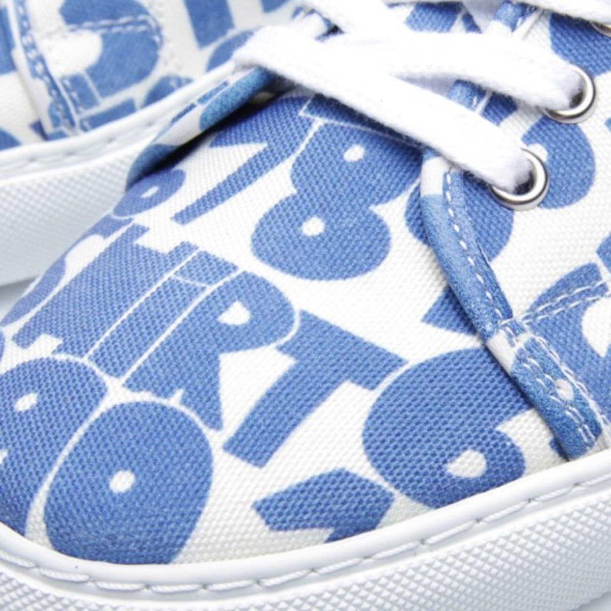 comme-des-garcons-shirt-the-generic-man-print-sneakers-12