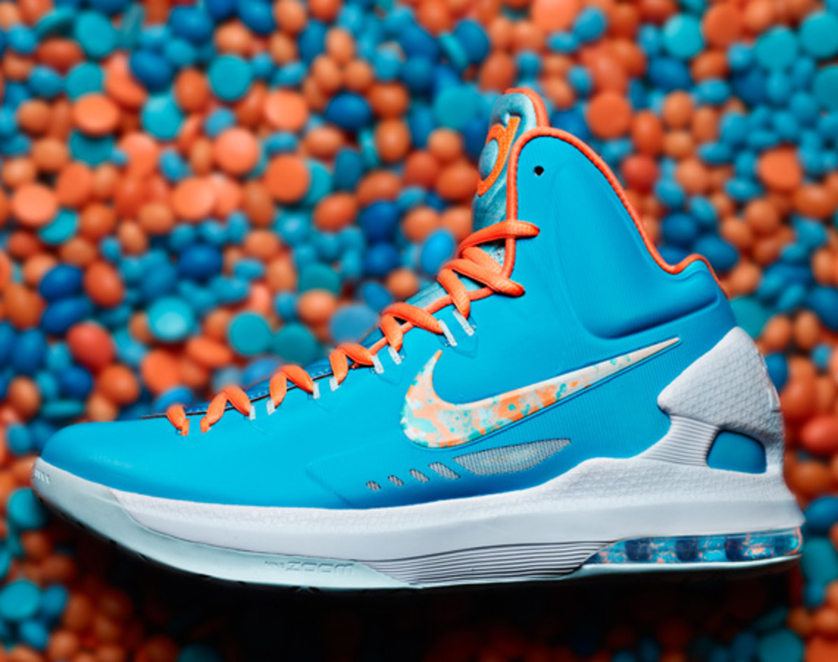 "newest 99006 8a3c6 Nike KD V ""Easter"" Style  554988-402. Color  Turquoise Blue Bright Citrus- Fiberglass. Release Date  March 29th, 2013 (Friday)"