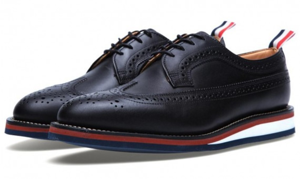 thom-browne-wedge-sole-long-wing-brogue-shoes-02