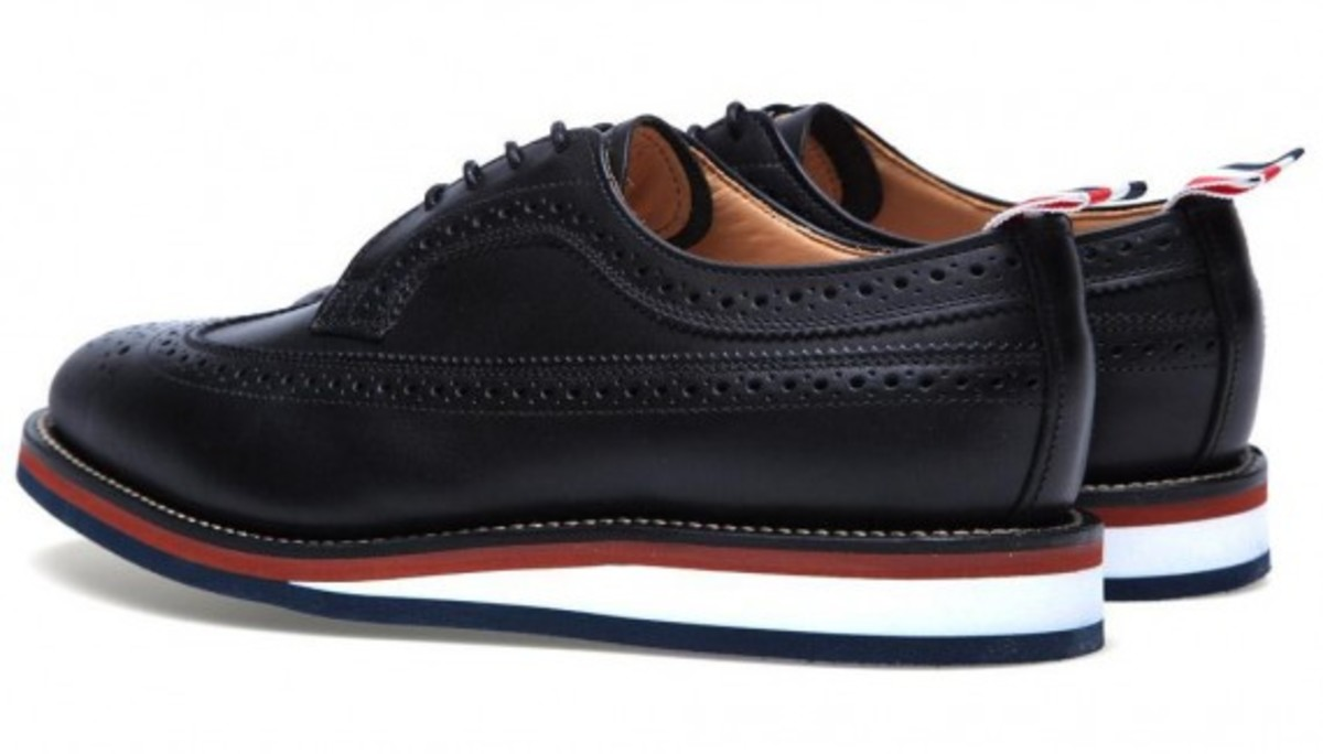 thom-browne-wedge-sole-long-wing-brogue-shoes-04