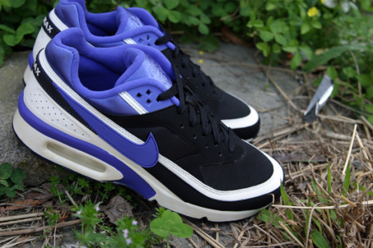nike-air-classic-bw-og-persian-violet-arriving-at-retailers-04