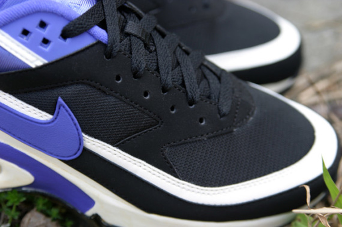 nike-air-classic-bw-og-persian-violet-arriving-at-retailers-05