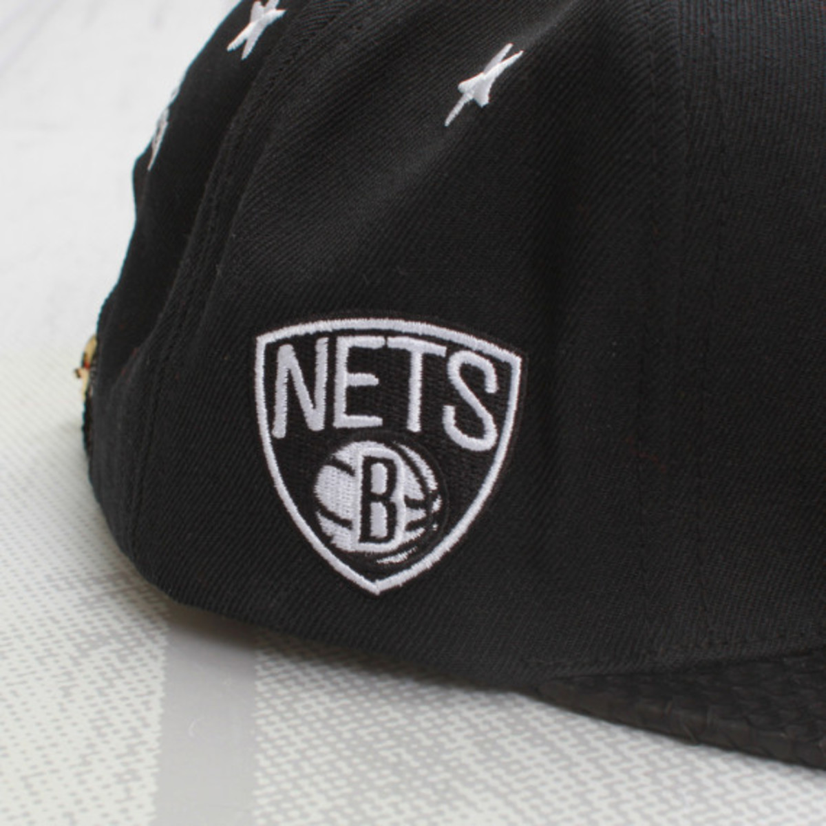 mitchell-and-ness-just-don-for-concepts-brooklyn-nets-black-python-snapback-cap-03