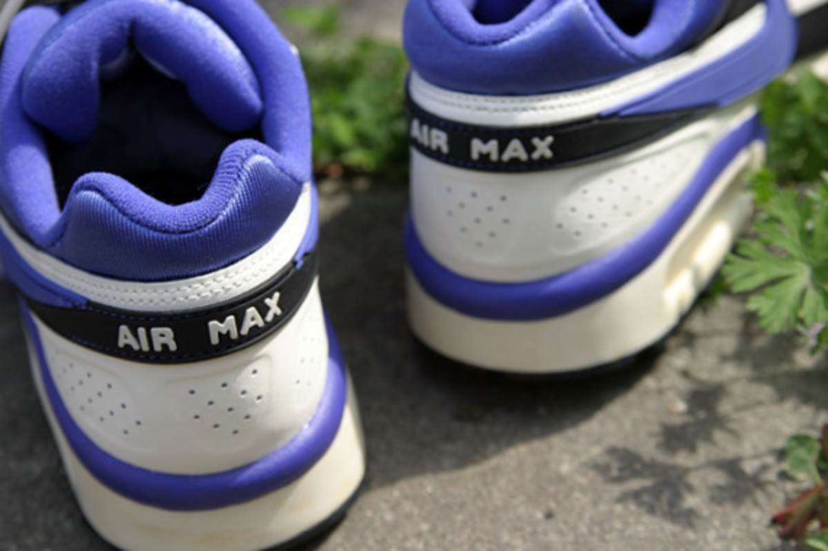 nike-air-classic-bw-og-persian-violet-arriving-at-retailers-07