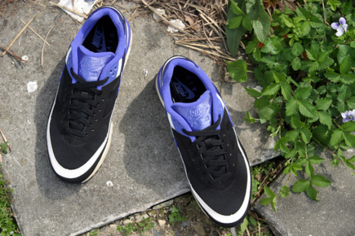 nike-air-classic-bw-og-persian-violet-arriving-at-retailers-03