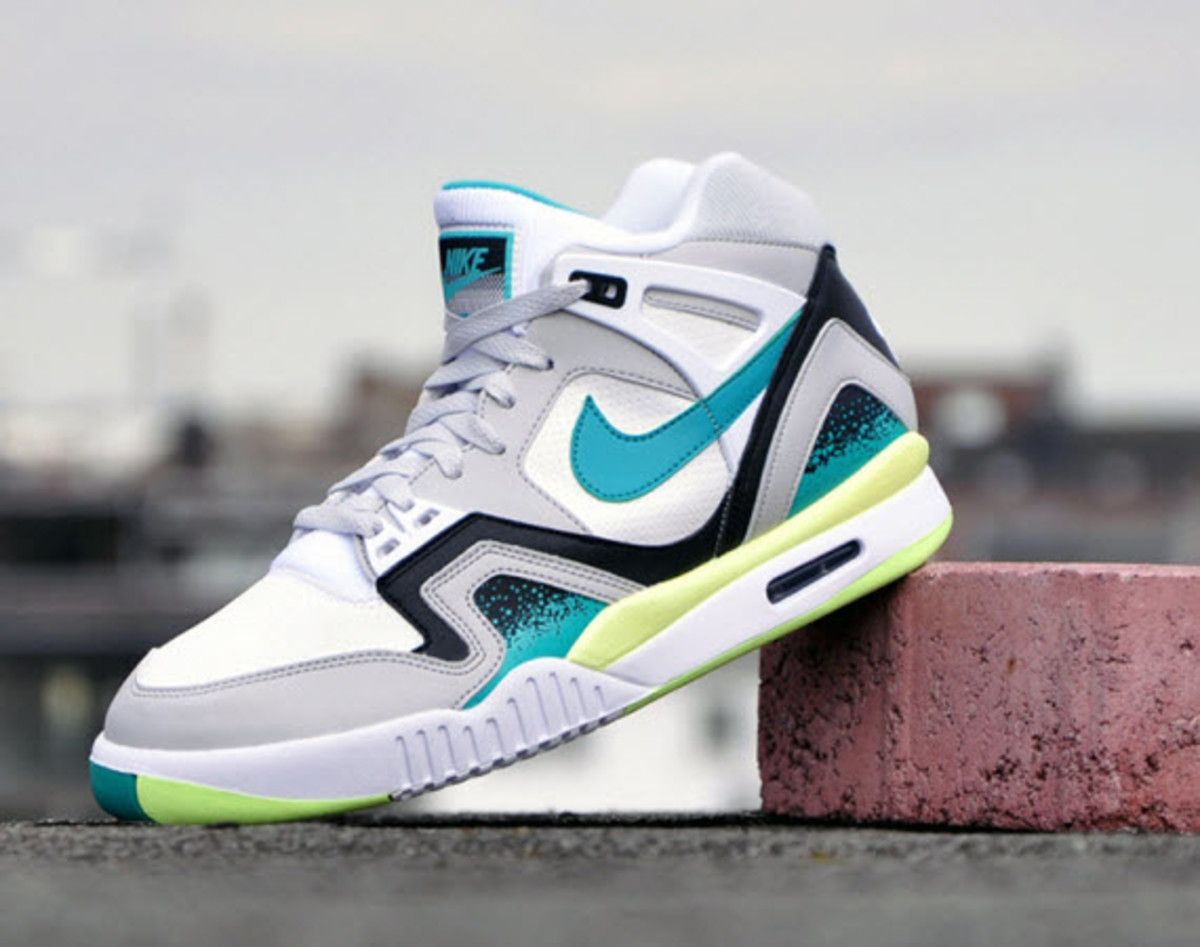 ... but we re using Monday to bring you a look at what Nike is bringing  back from the archive  an OG lime colorway of the Air Tech Challenge II. 96126533a