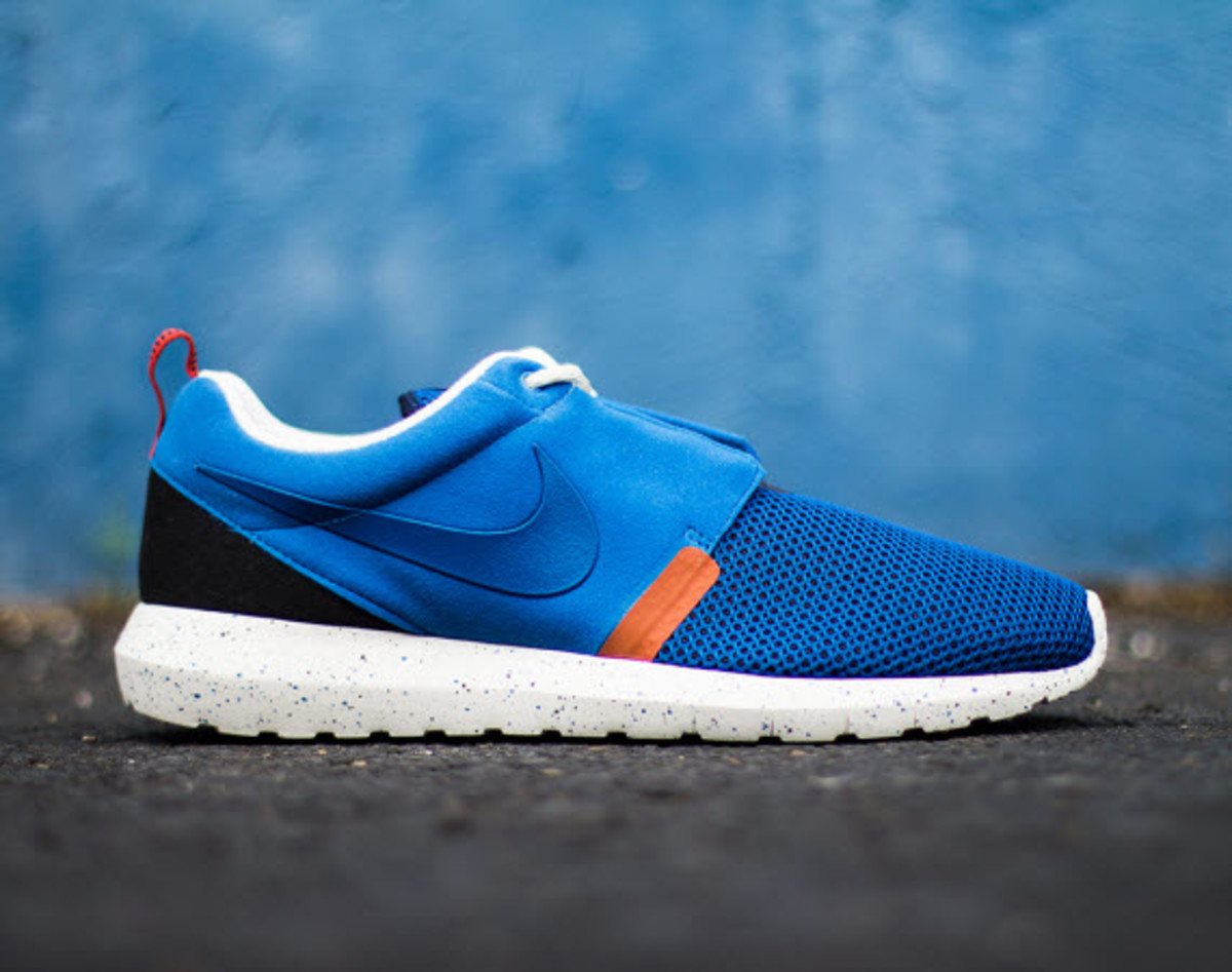 a2ea3c1afb91 How you can say its summer without a fresh pair of Military Blue Roshe  Runs  Known for their breathable upper