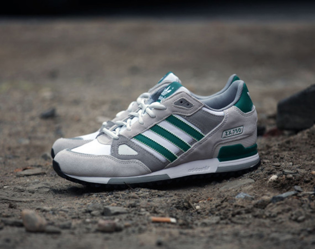 Special Buy Grey White Mens Adidas Zx 750 Running Shoes