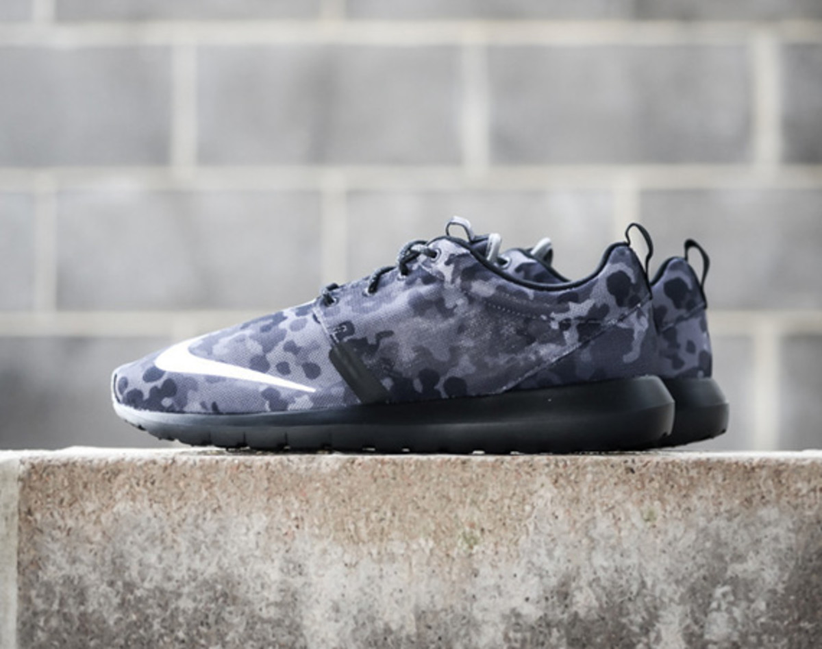half off c0c40 cc9df In what looks to be Flecktarn camouflage (also known as Spotted camouflage)  popularized by the German Army, the Nike Roshe Run NM FB features a Natural  ...