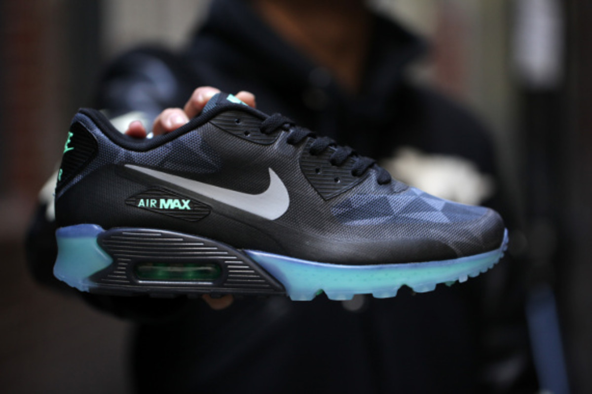 nike air max 90 ice black and blue