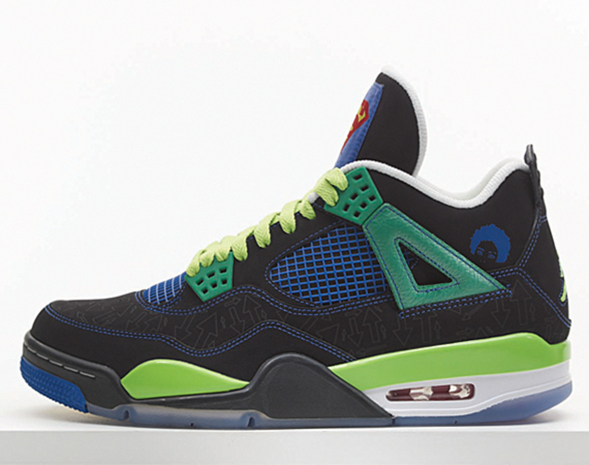 nike-doernbecher-freestyle-2011-air-jordan-IV-isaiah-scott-01