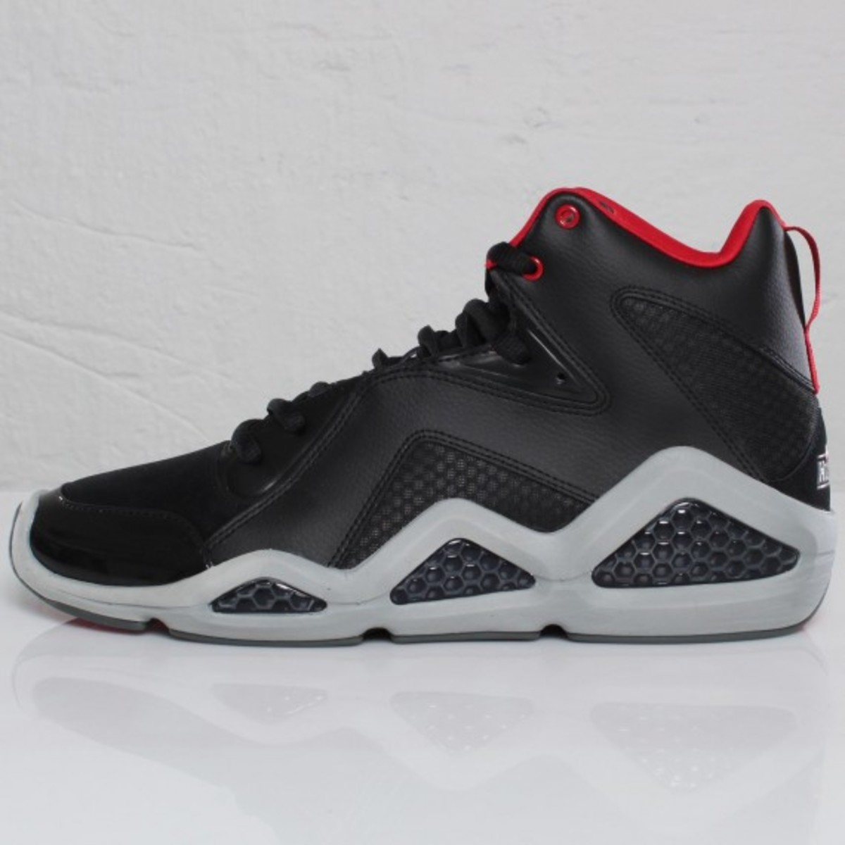 reebok-kamikaze-iii-mid-nc-black-tin-grey-excellent-red-04