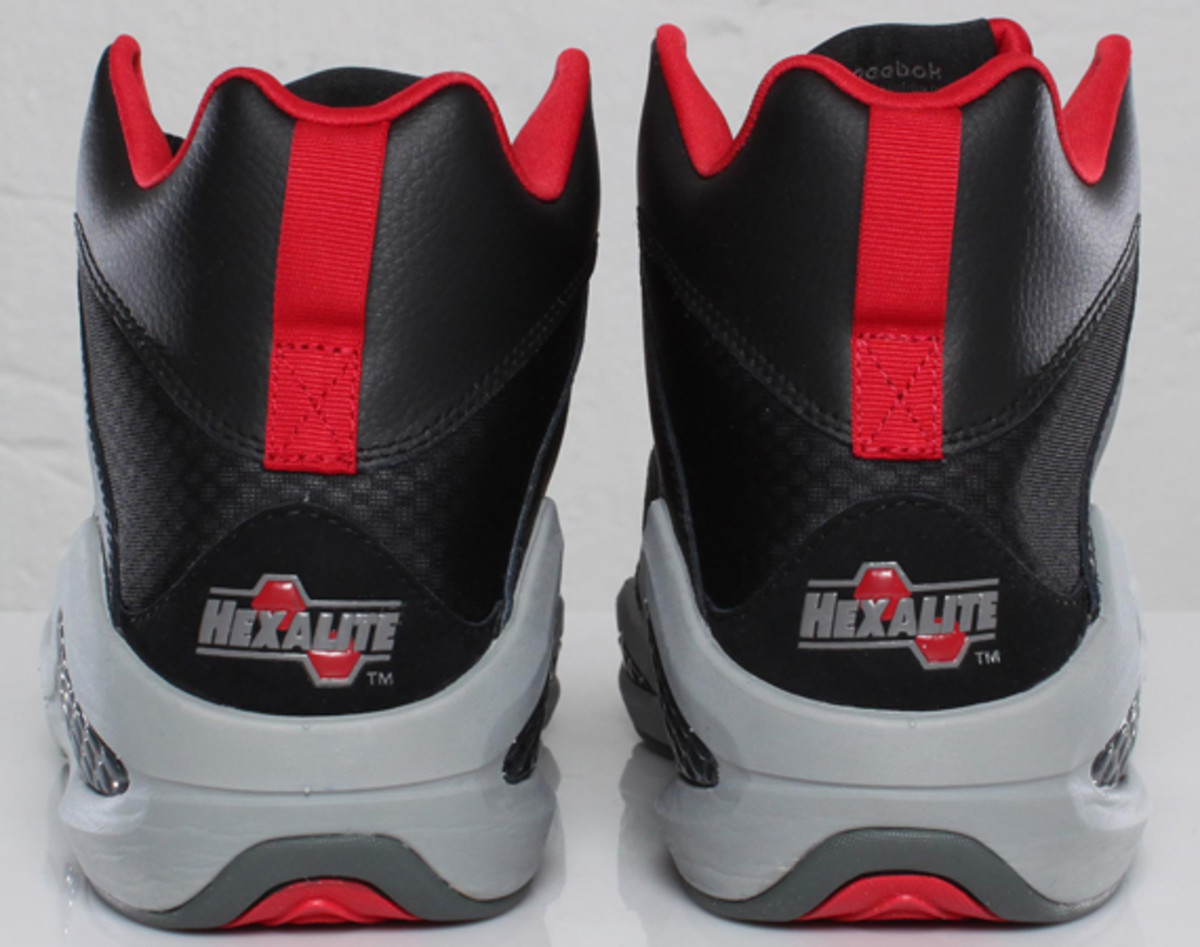 reebok-kamikaze-iii-mid-nc-black-tin-grey-excellent-red-03