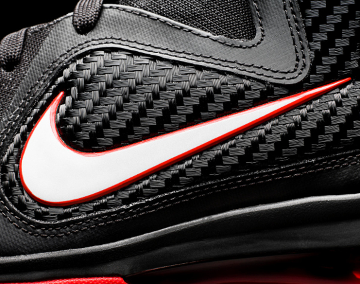 newest 832e7 19c20 Nike LeBron 9 - Black Sport Red | Release Reminder - Freshness Mag