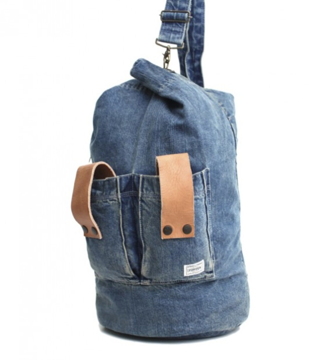 white-mountaineering-porter-used-denim-accessories-03