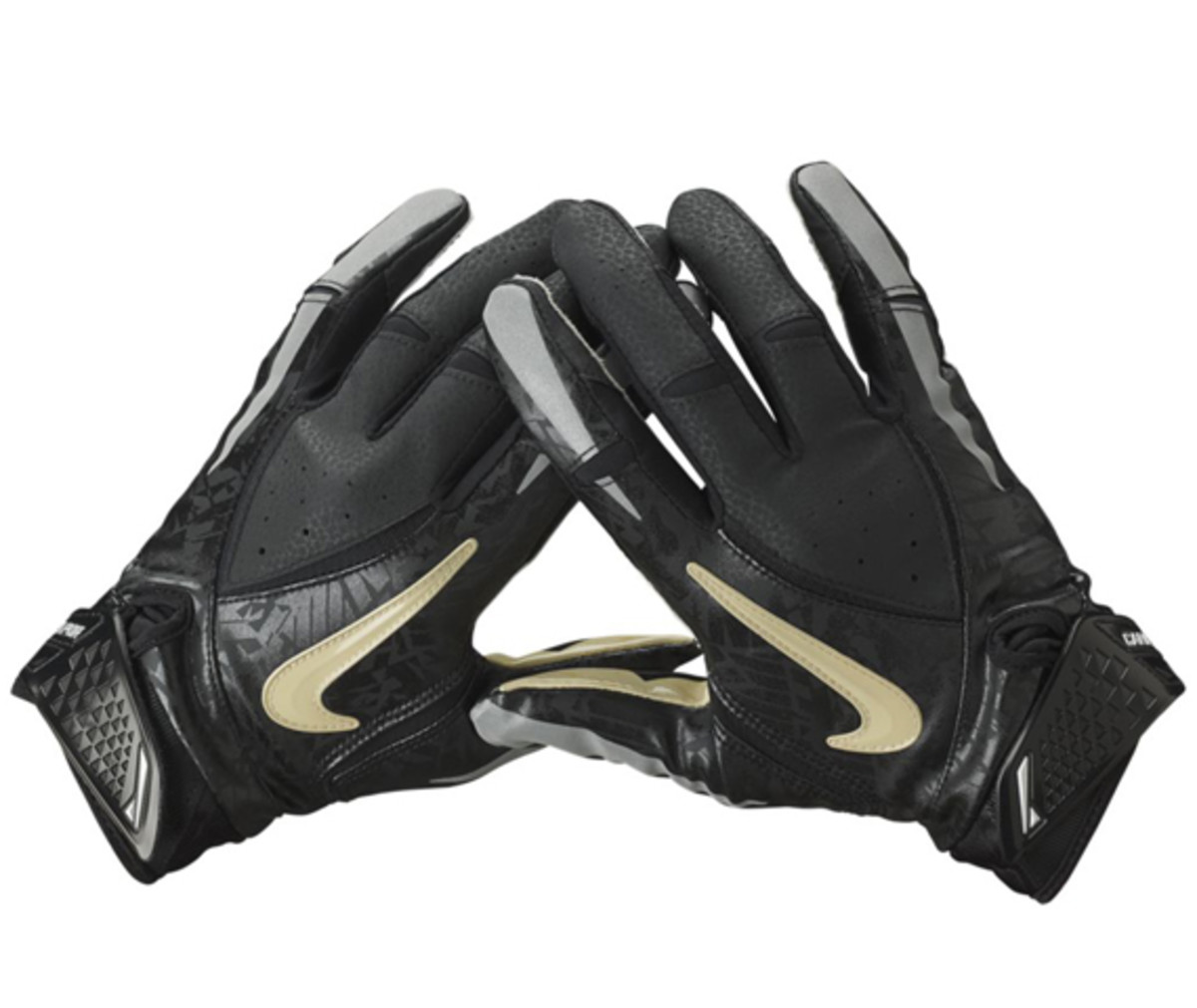Nike-College-Rivalry-Vapor-Jet-Football-Gloves-02