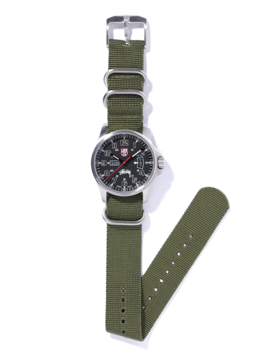 stussy-luminox-field-military-watch-01