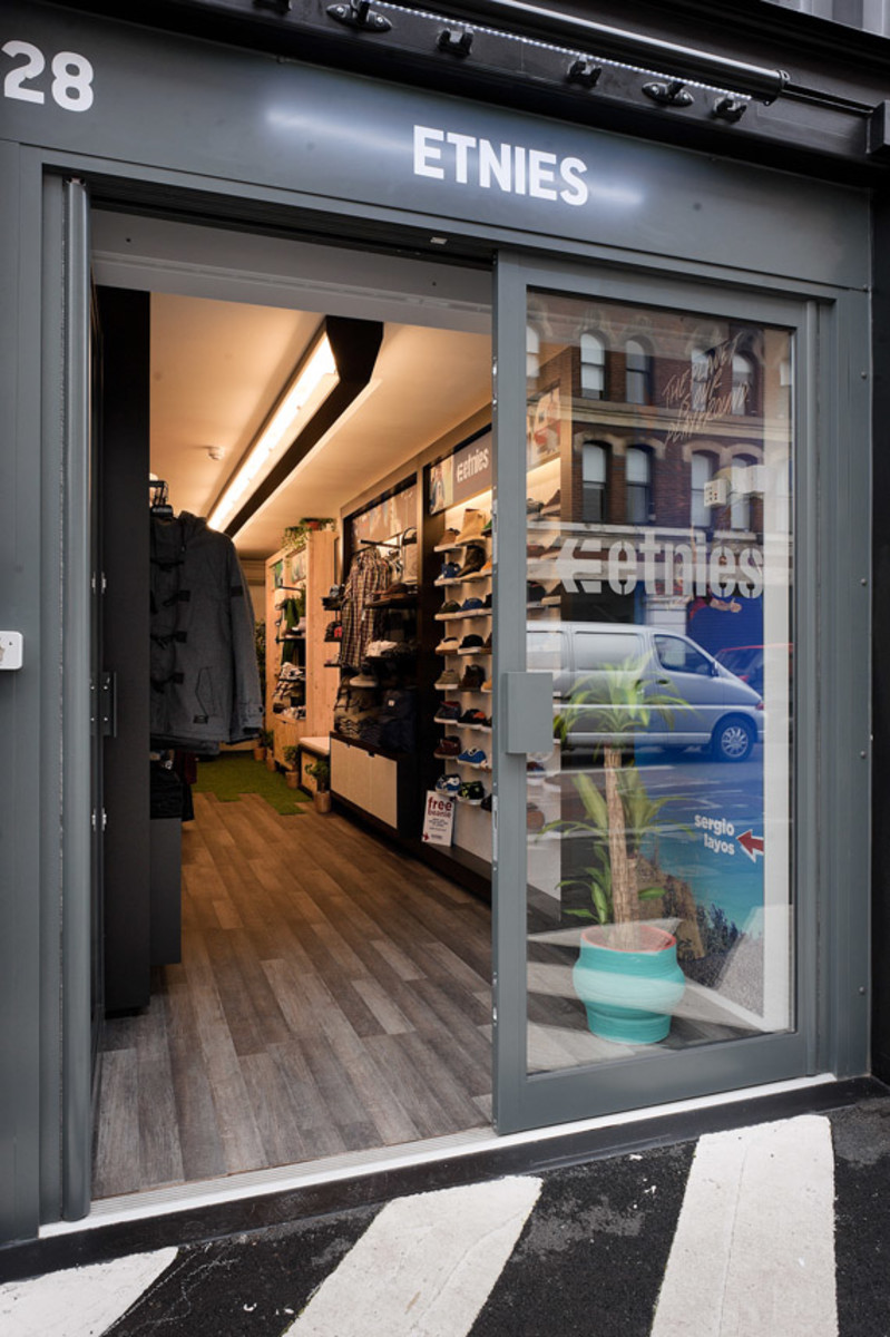 etnies-boxpark-shoreditch-pop-up-mall-03