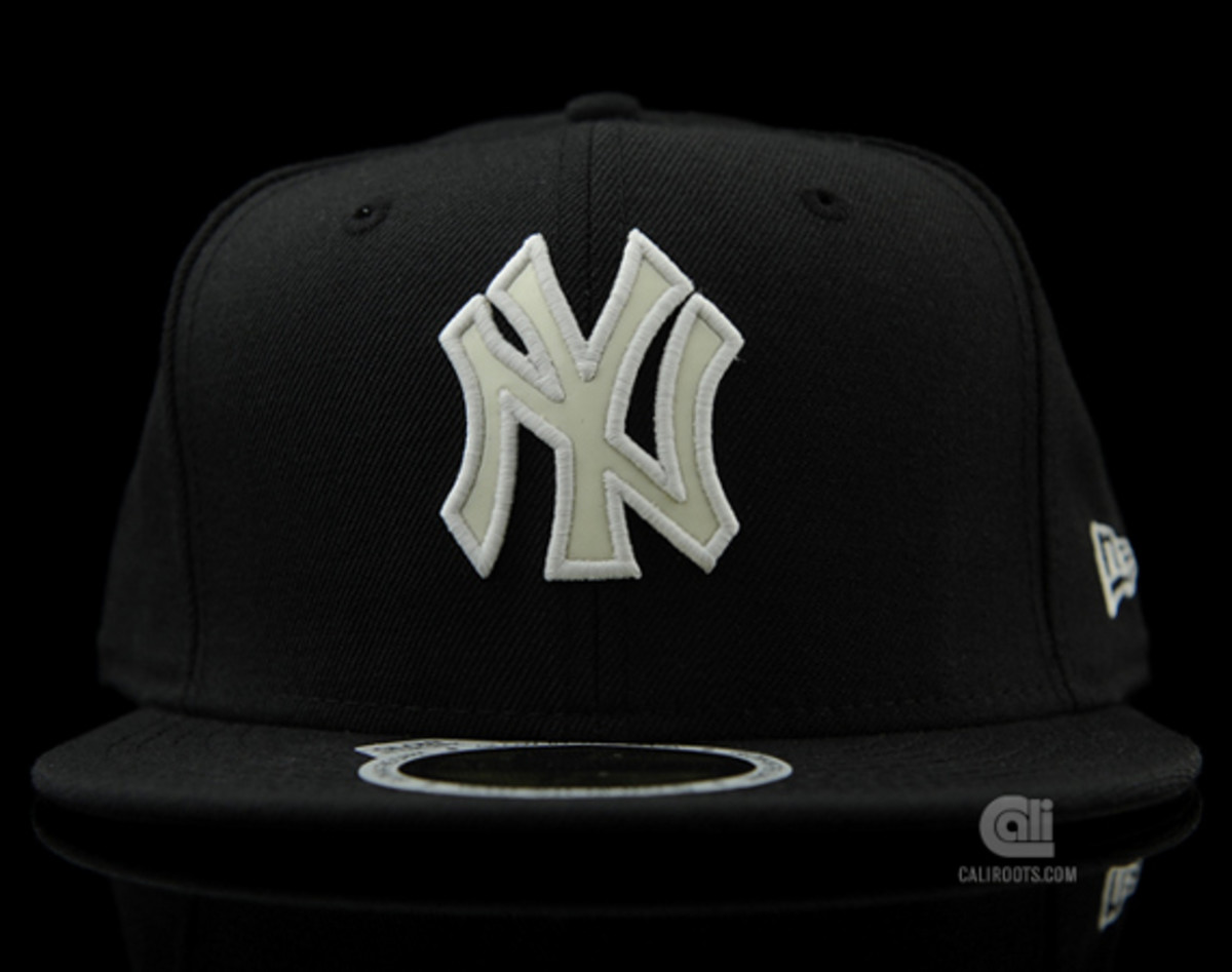 a999c2c6db028 New Era - NY Yankees Glow-In-The-Dark 59FIFTY Fitted Cap - Freshness Mag