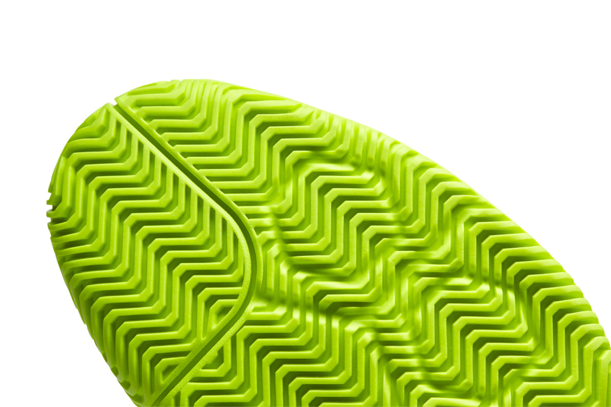 Herringbone pattern with an increased number of edges for added traction.