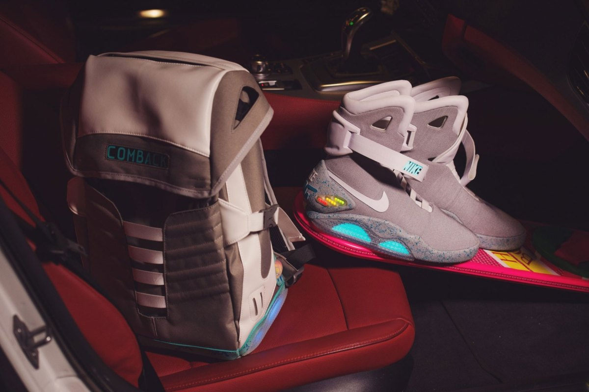 comback-to-the-future-backpack-03.jpg