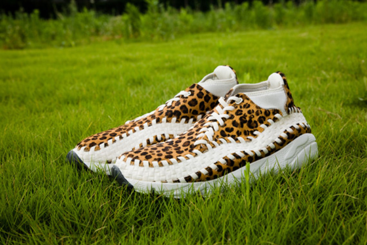 nike-air-footscape-woven-chukka-motion-leopard-zebra-0004