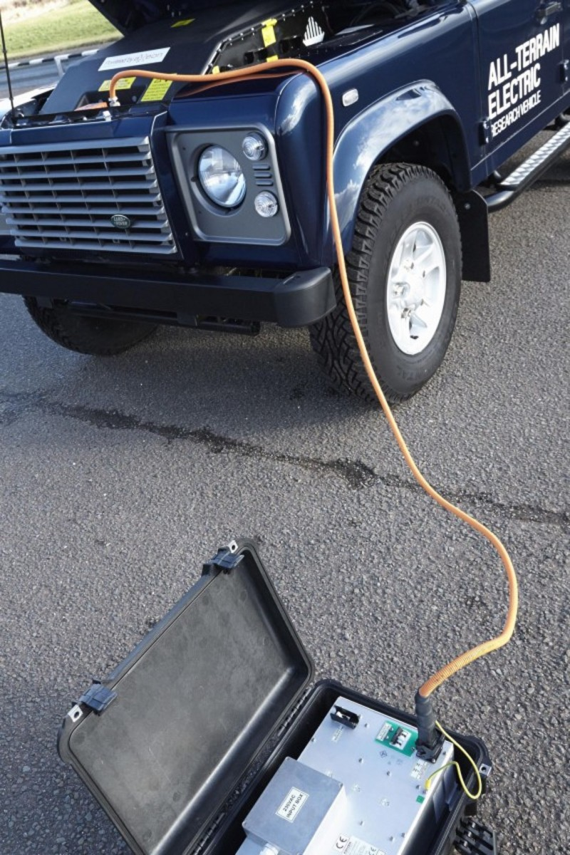 land-rover-defender-electric-research-vehicle-08