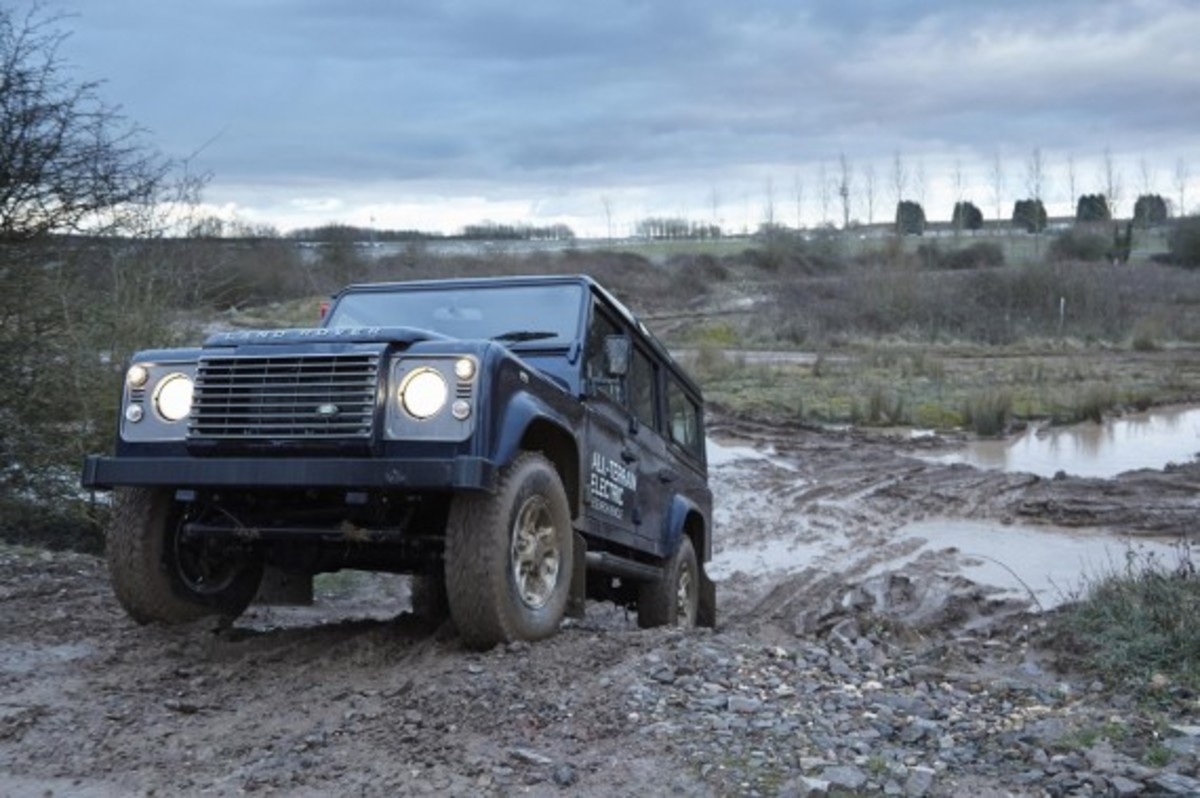 land-rover-defender-electric-research-vehicle-18