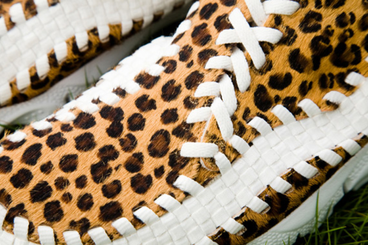 nike-air-footscape-woven-chukka-motion-leopard-zebra-0007