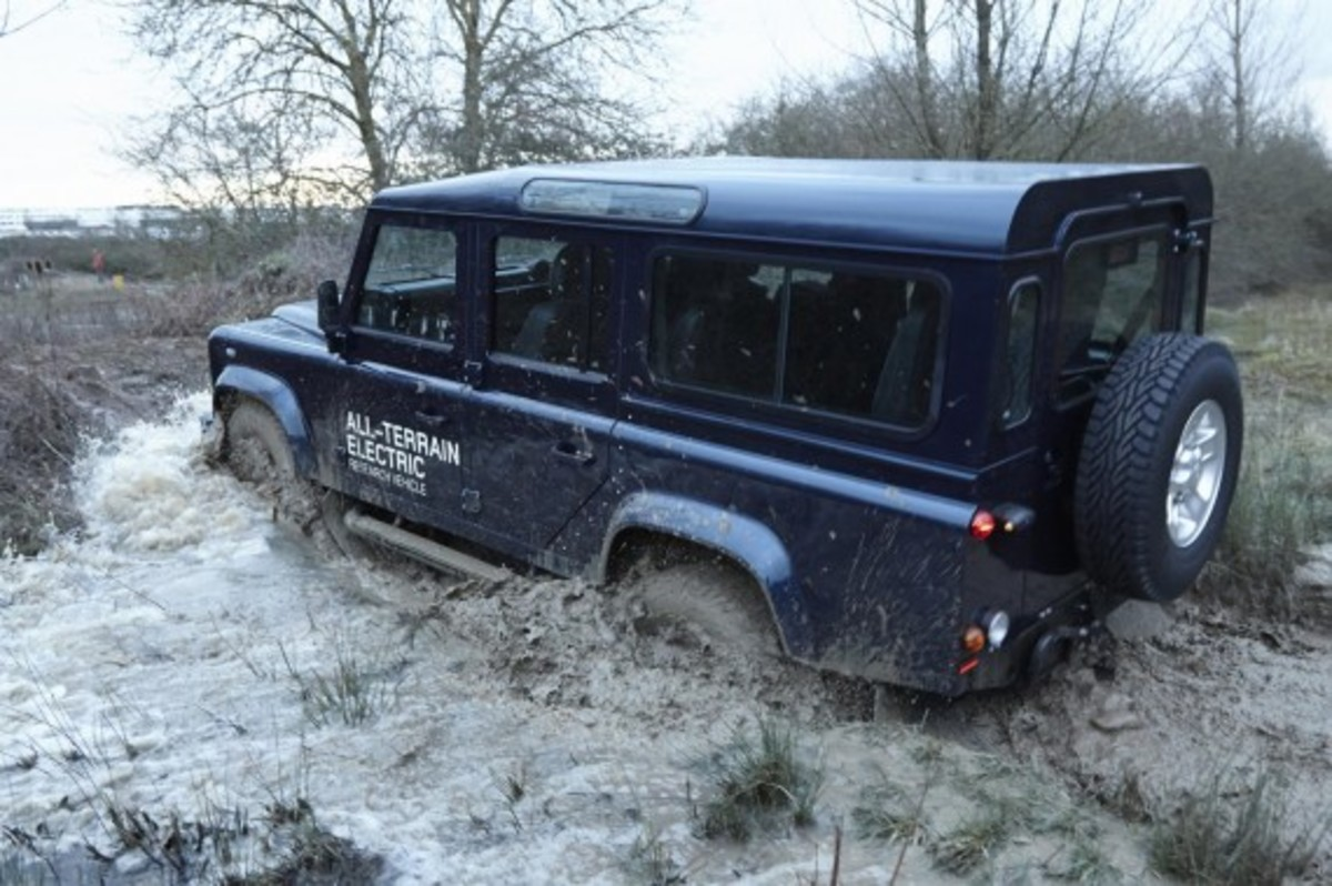 land-rover-defender-electric-research-vehicle-16