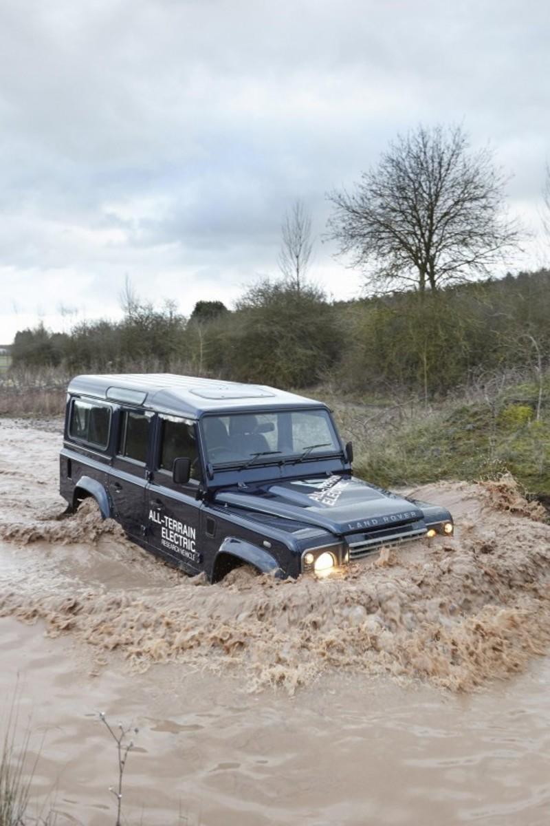 land-rover-defender-electric-research-vehicle-12