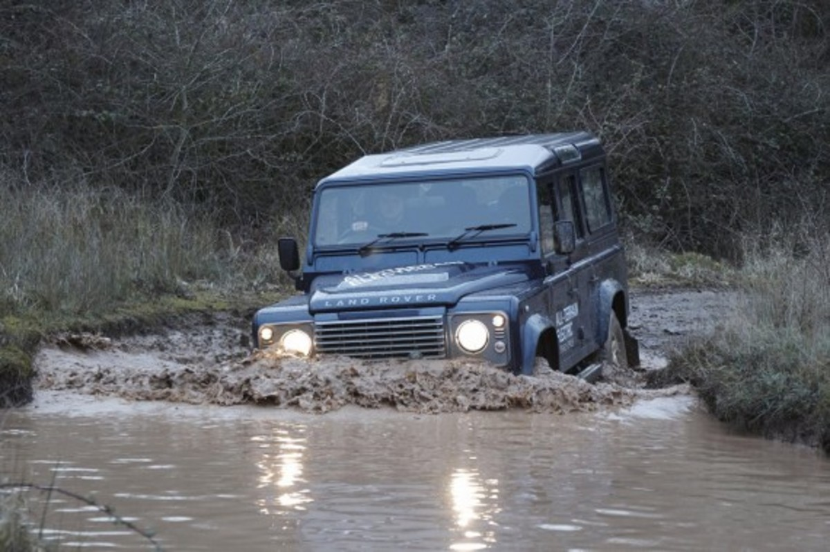 land-rover-defender-electric-research-vehicle-17