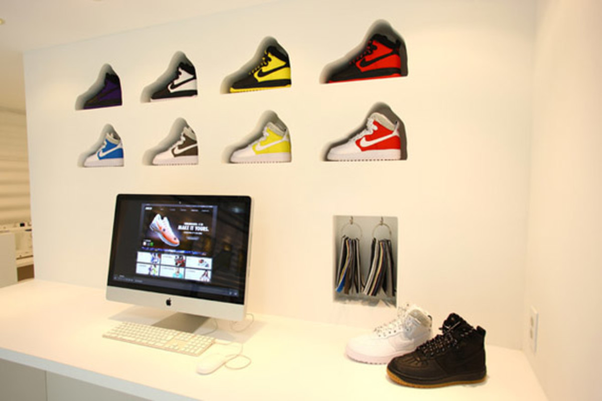 nike-air-force -1- xxx-anniversary- the-pivot-point-pop-up-shop-tokyo-13