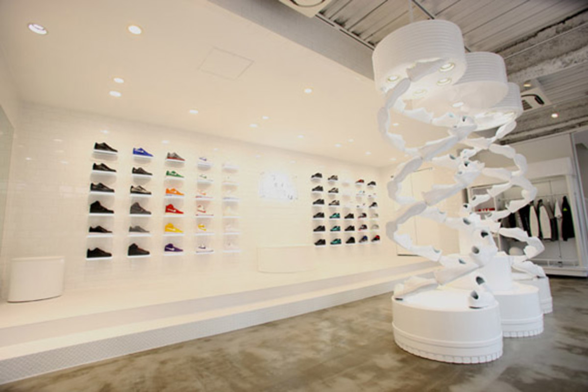 nike-air-force -1- xxx-anniversary- the-pivot-point-pop-up-shop-tokyo-05