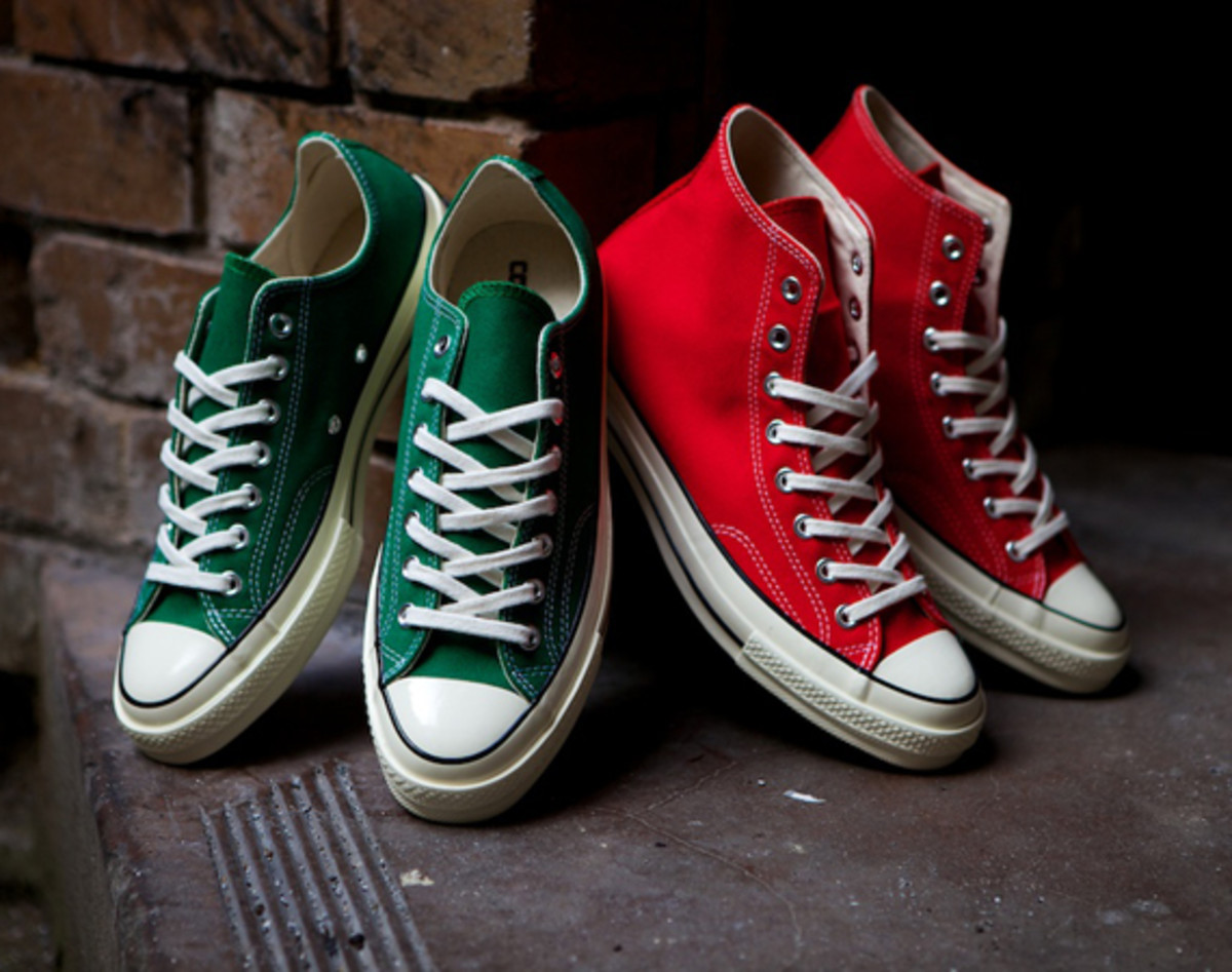 ea6ae6583c94 CONVERSE First String 1970 Chuck Taylor All Star - Christmas Pack ...