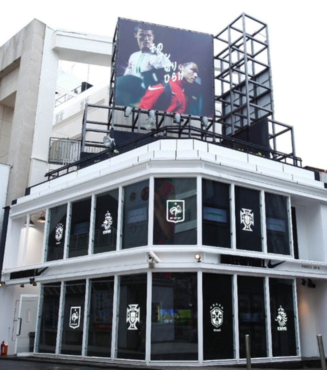 nike-football-pop-up-store-tokyo-01