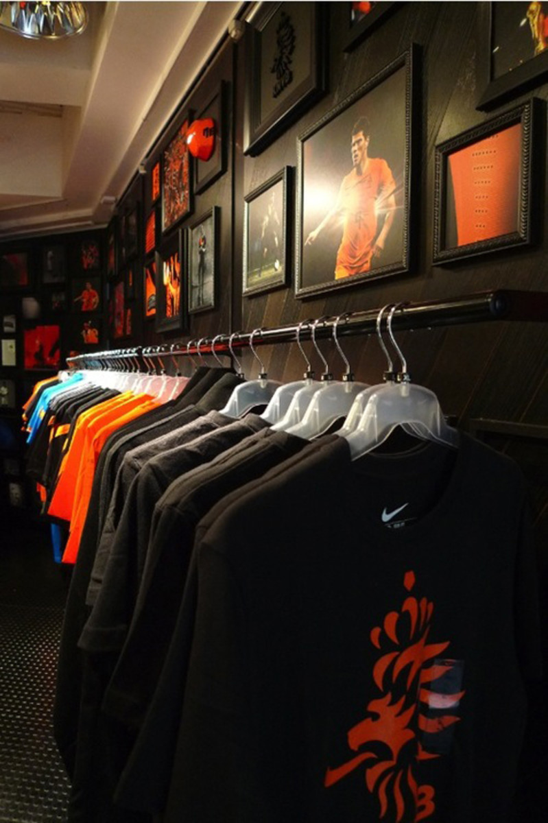 nike-football-pop-up-store-tokyo-05