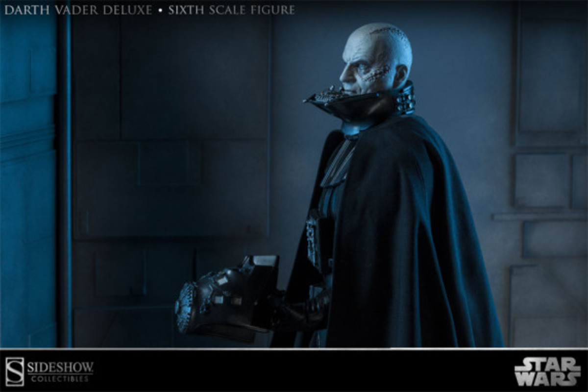 sideshow-collectibles-darth-vader-figure-05