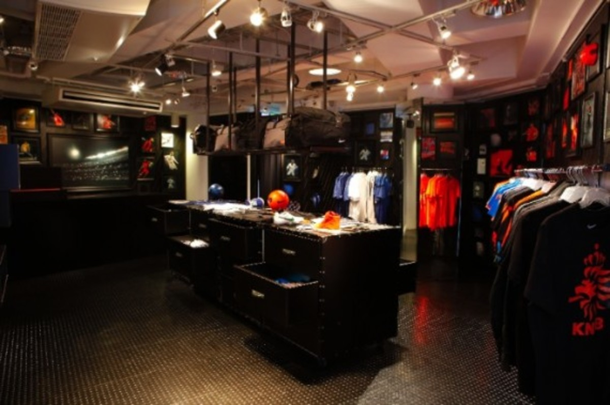 nike-football-pop-up-store-tokyo-02