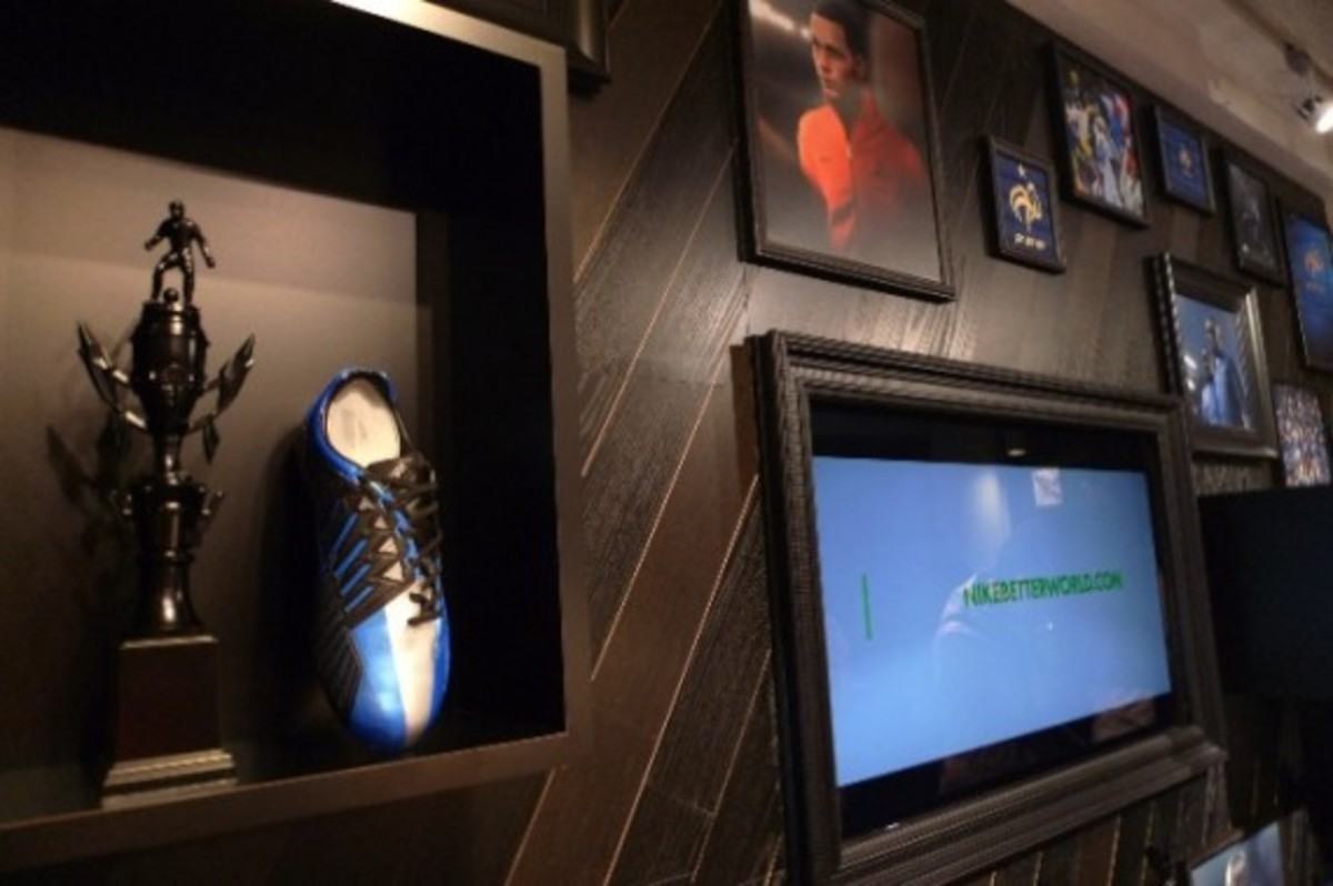 nike-football-pop-up-store-tokyo-06