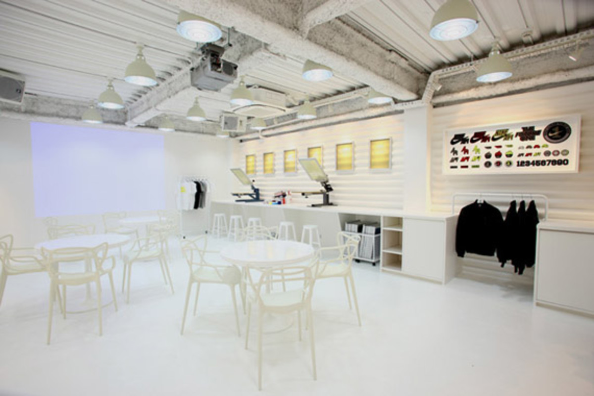 nike-air-force -1- xxx-anniversary- the-pivot-point-pop-up-shop-tokyo-18