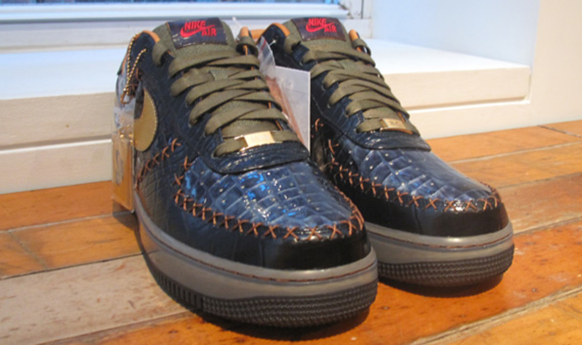 nike-air-force-1-bespoke-by-alex-2
