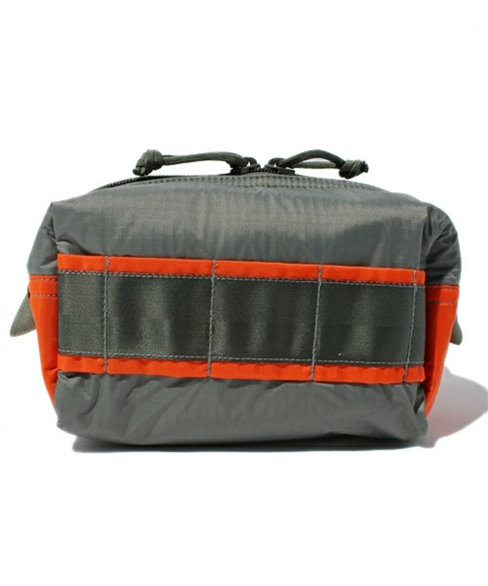 briefing-mobile-pouch-medium-01