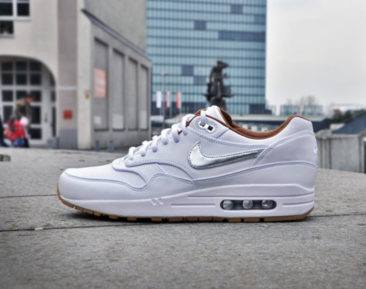 pretty nice b78a2 42fcb ... Nike and its Nike Sportswear branch are getting ready to launch several  football related editions this month, including this Nike Air Max 1 FB Woven .
