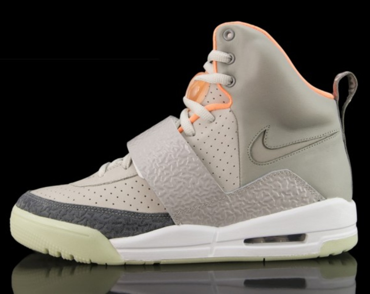 Nike Sportswear x Kanye West - Air Yeezy (Zen Grey/Light Charcoal)